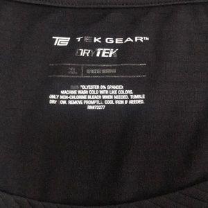 Black Dry Fit Tek Gear short sleeve T
